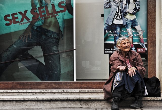 attractive street photographs