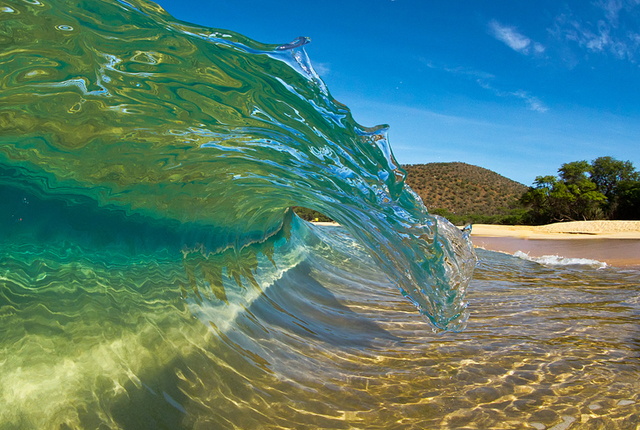 40 wonderful photographs of water waves