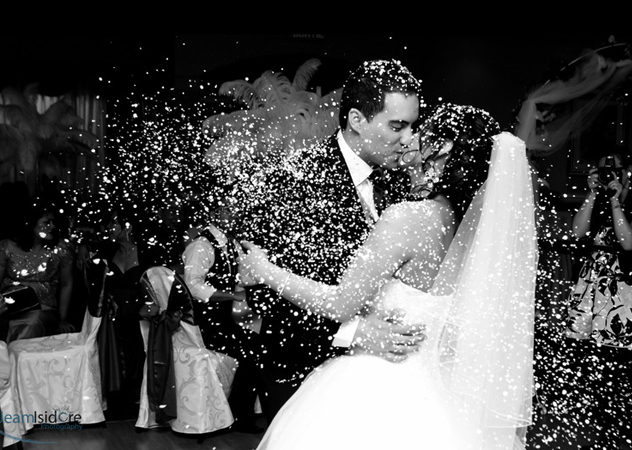 romantic and joyful photographs