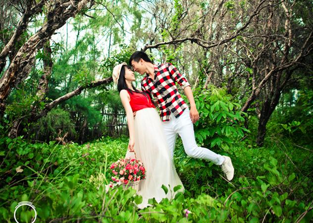 romantic and joyful photographs