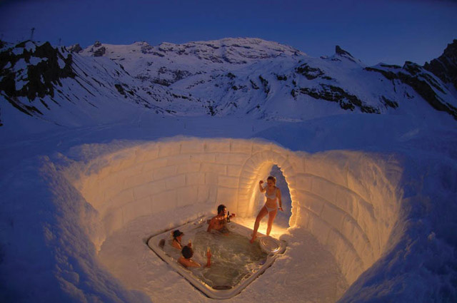 outdoor-hottub-jacuzzi-in-the-matterhorn-mountains