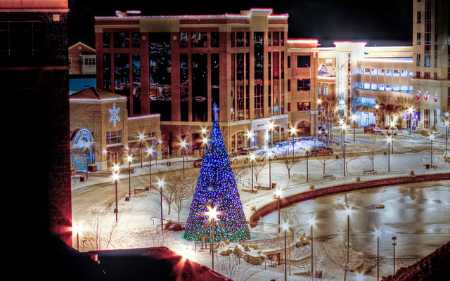 Twas the Night Before Chritstmas by  Tom Shacochis