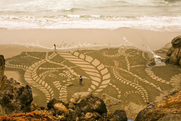 incredible sand drawings by Andres Amador (9)