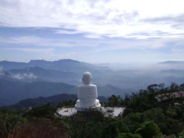 Buddha Statue, Ba Na Hill Station