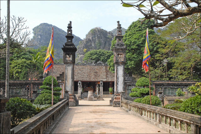 Hanoi Hoa Lu Temple