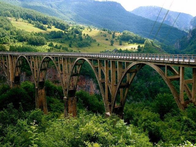 Dzhurdzhevicha-Tara-Bridge-Yugoslavia