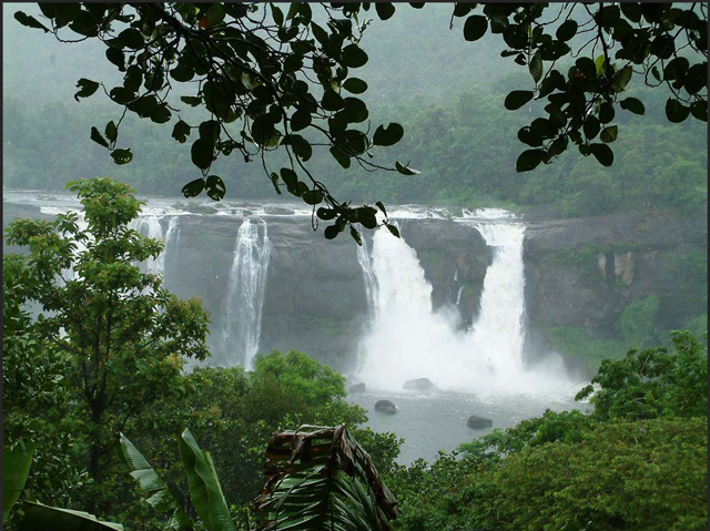 Kerala-,-Athirapally-Water-Falls