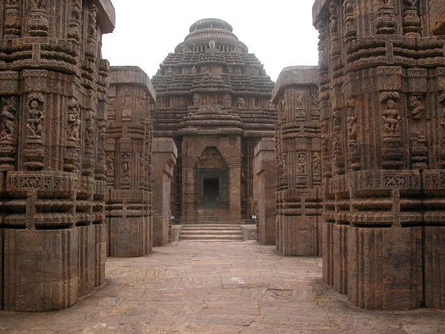 Konark-Sun-Temple--at-Konark,-in-Orissa