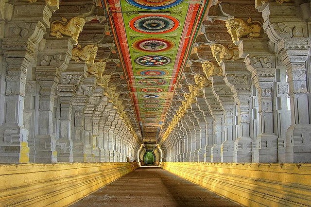 The-World's-Largest-Corridor-of-Ramanathaswamy-temple,-Rameswaram