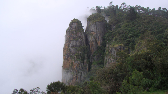 pillar-rocks-at-kodaikanal