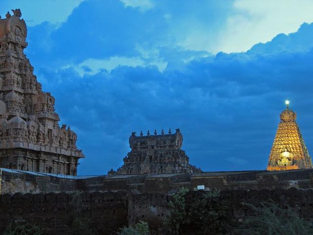 thanjavur-brihadisvara-temple,tamil-nadu