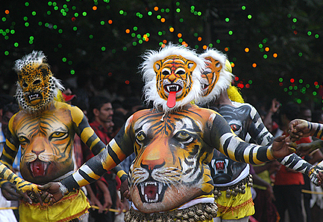 Pulikkali-Tiger-Play