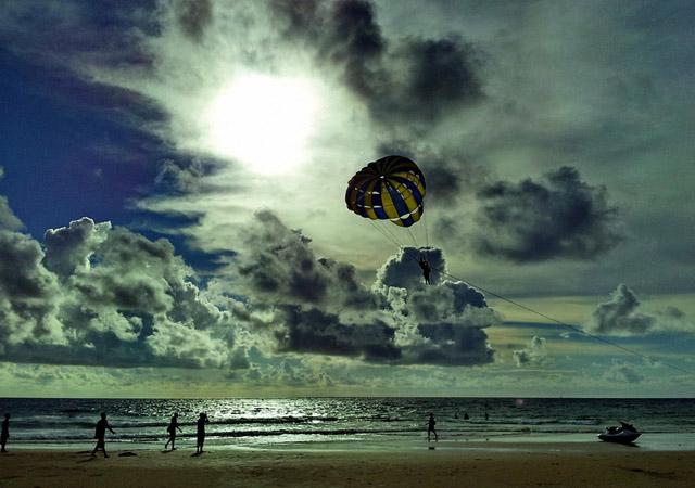Parachute by Hiwa T