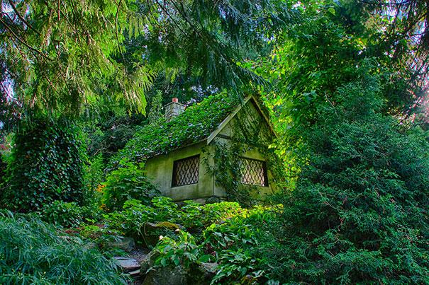 magical-fairy-tale-houses-dreamlike-architecture-15