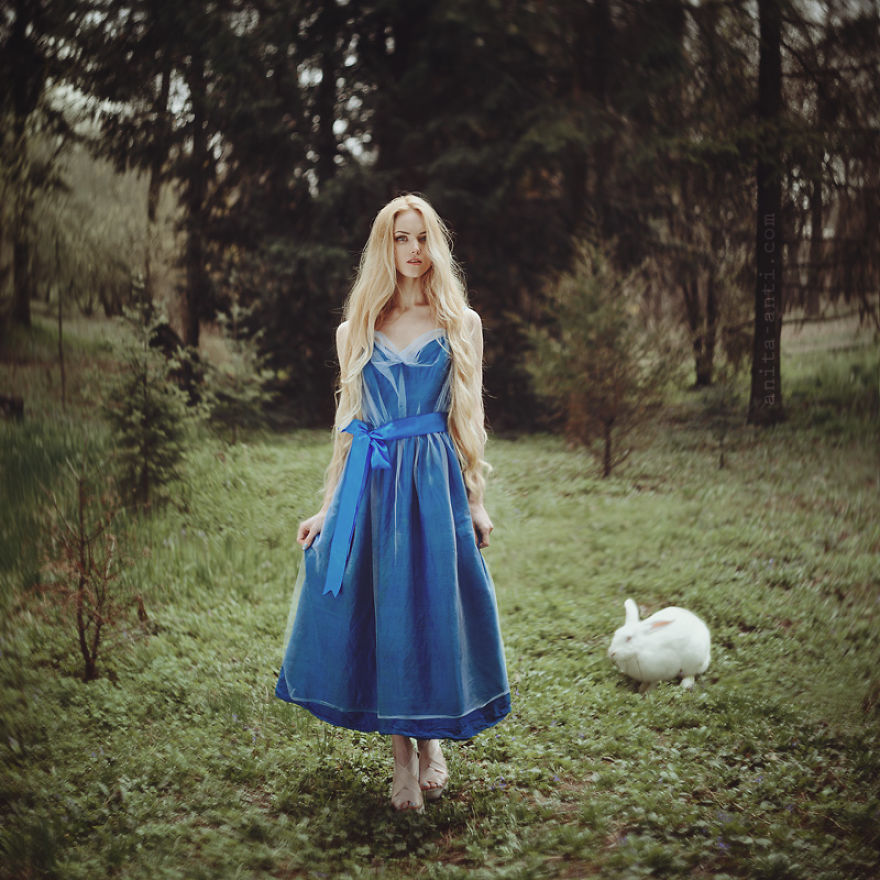 fairytale-photography-women with animals (1)