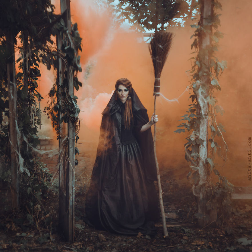 fairytale-photography-women with animals (11)
