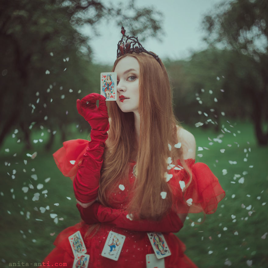 fairytale-photography-women with animals (13)