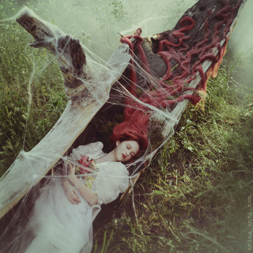 fairytale-photography-women with animals (15)