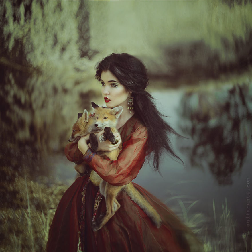 fairytale-photography-women with animals (16)