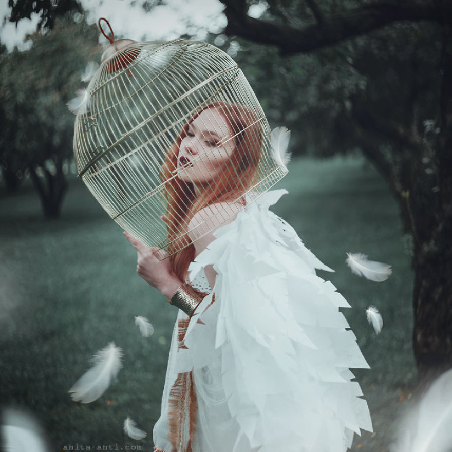 fairytale-photography-women with animals (7)