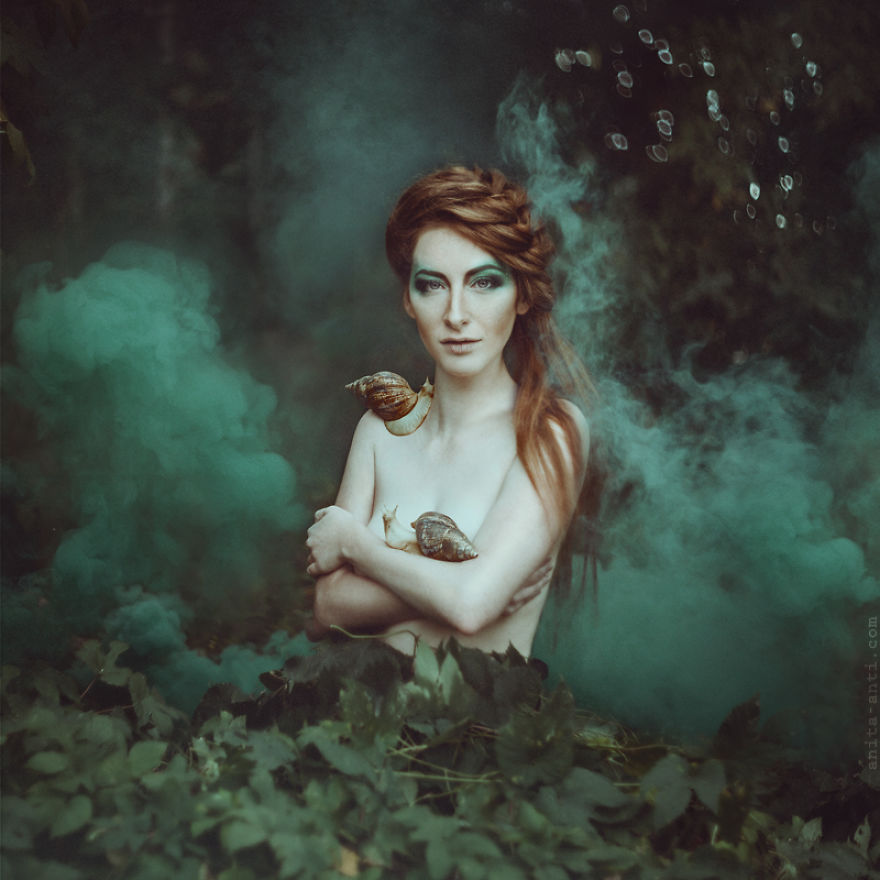 fairytale-photography-women with animals (8)