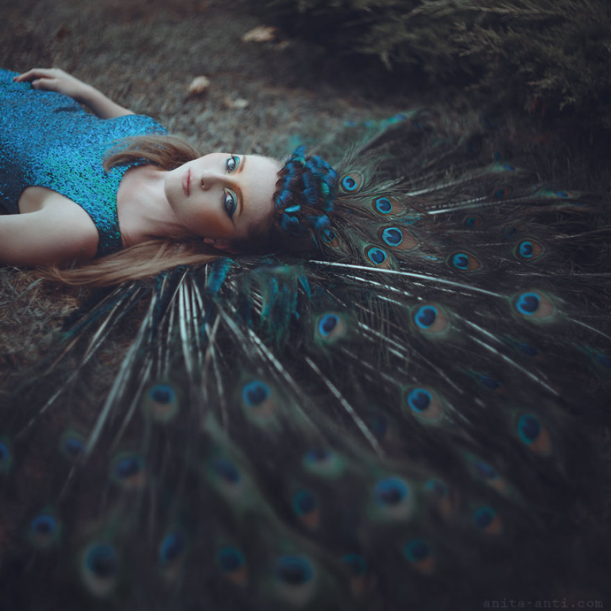 fairytale-photography-women with animals (9)