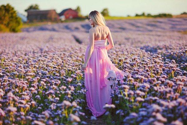 Beautiful Women with Flowers by Klaudia Rataj (12)