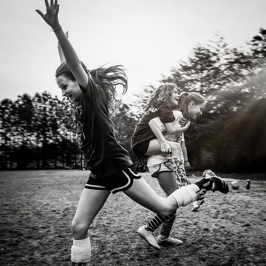 Mother Captures Photographs Of Her Brave Daughters (17)