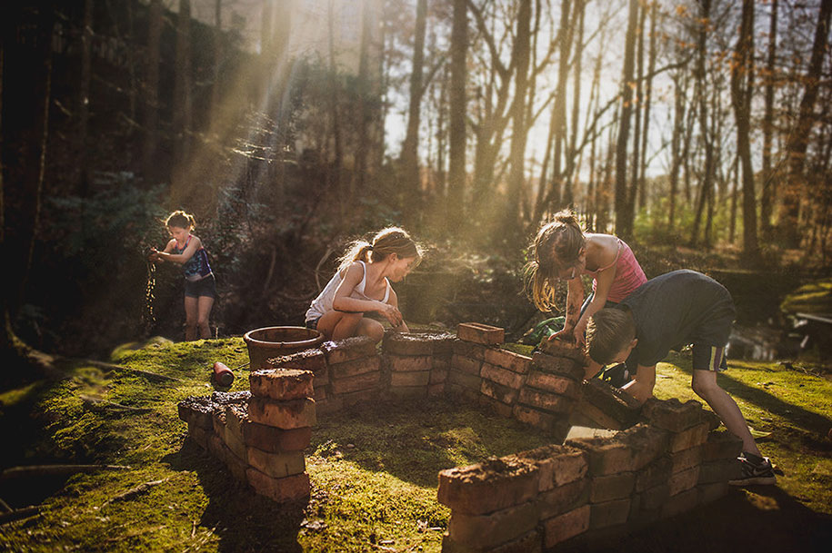Mother Captures Photographs Of Her Brave Daughters (18)