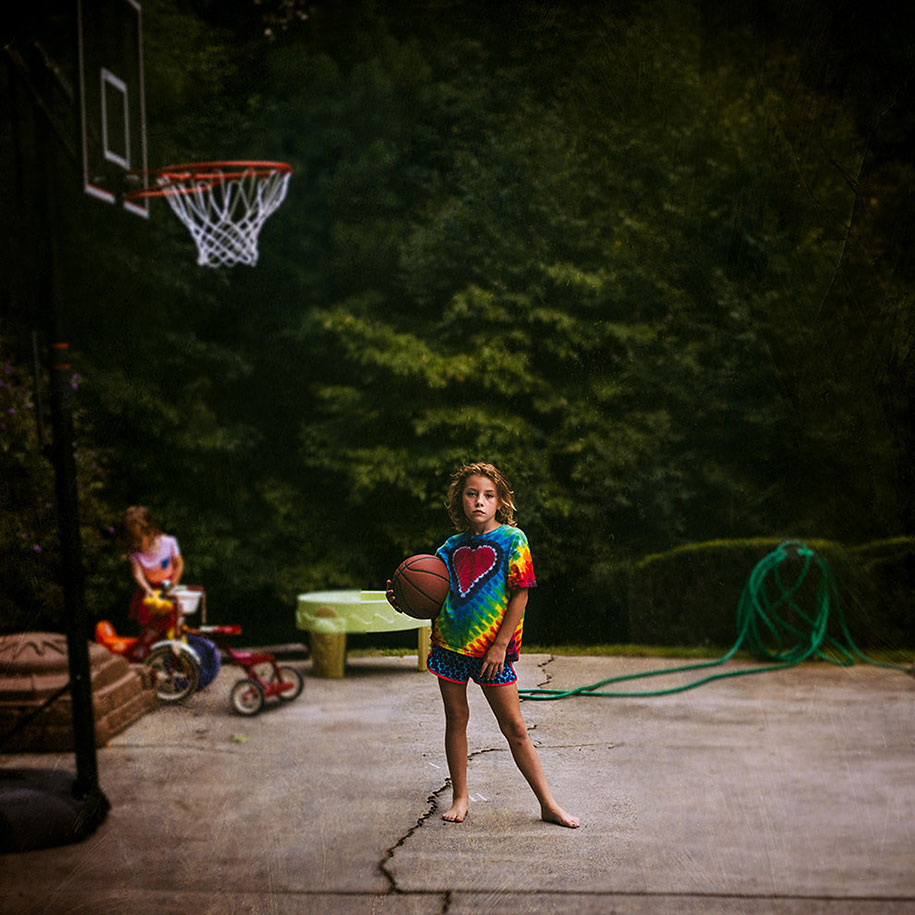Mother Captures Photographs Of Her Brave Daughters (19)