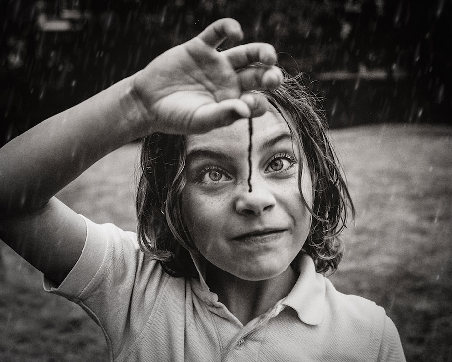 Mother Captures Photographs Of Her Brave Daughters (8)