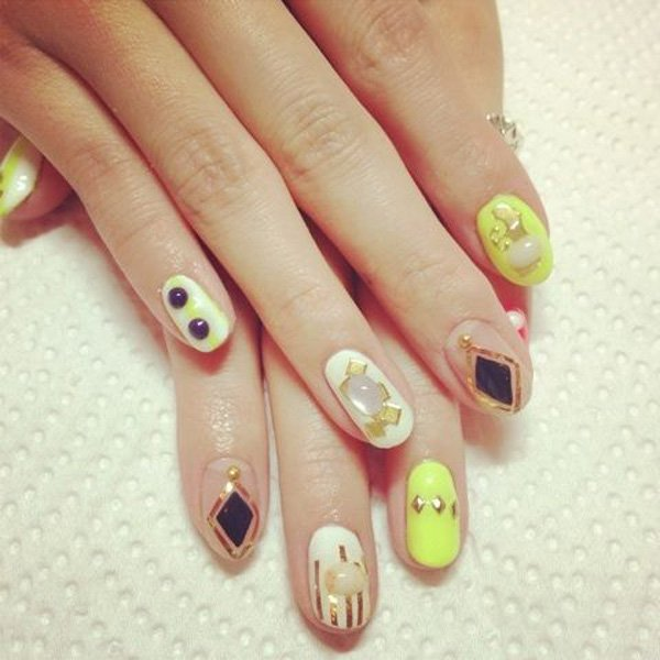 55 Beautiful Japanese Nail Art Designs (14)