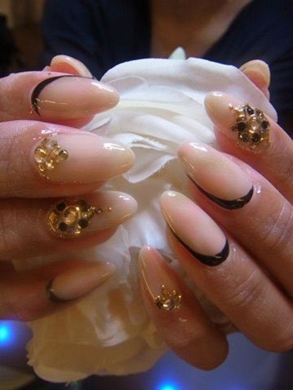 55 Beautiful Japanese Nail Art Designs (44)