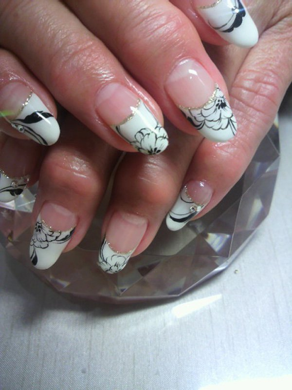 55 Beautiful Japanese Nail Art Designs (46)