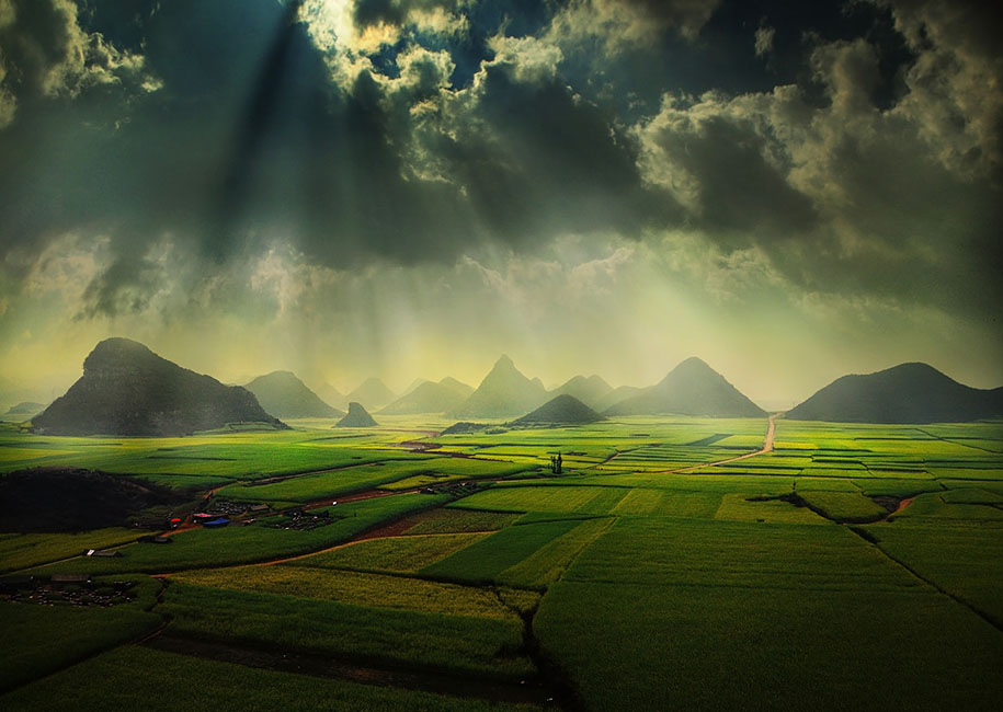 Asian-Landscape-Photography-by-Weerapong-Chaipuck-5