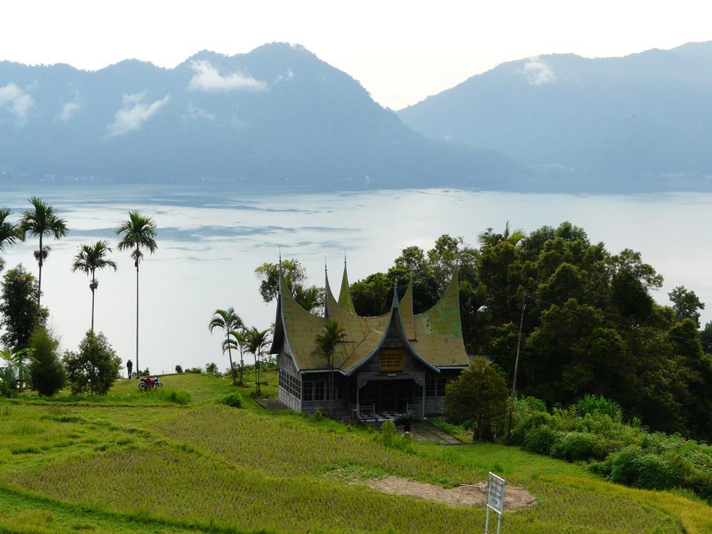 Lake-Maninjau