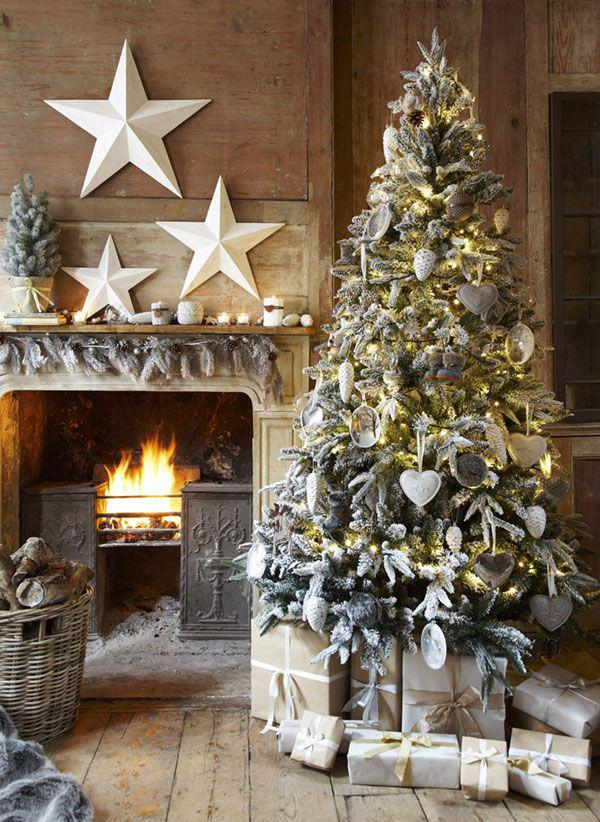 Christmas-tree-deoc-with-sea-ornaments