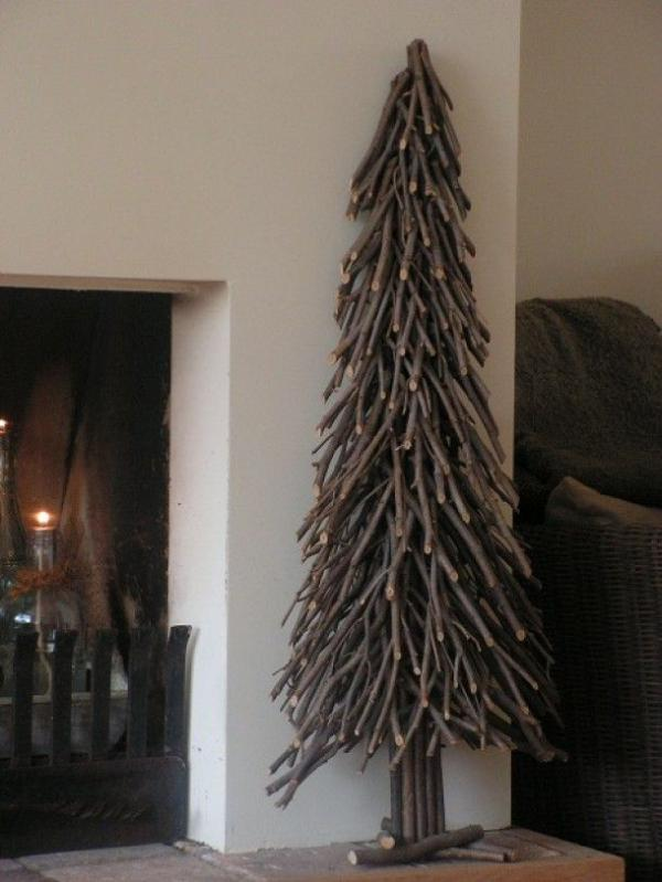 DIY-christmas-tree-made-with-branches