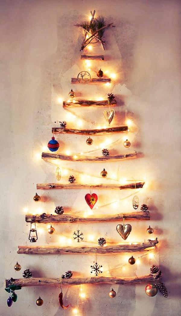 lighting-decos-in-the-shape-of-a-christmas-tree