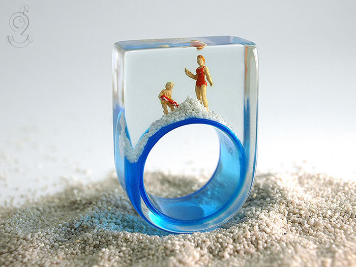 miniature-worlds-inside-jewelry-isabell-kiefhaber-19