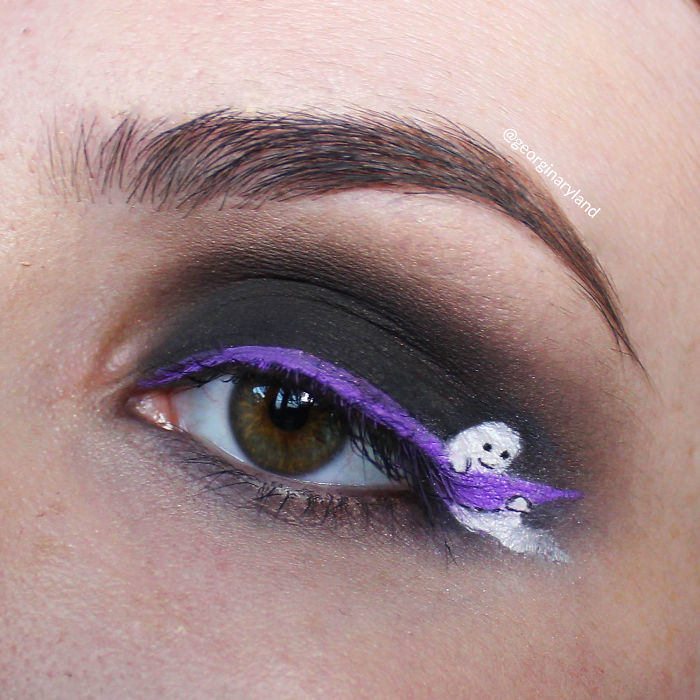 I-do-makeup-for-ants-5706699f1f4ce__700