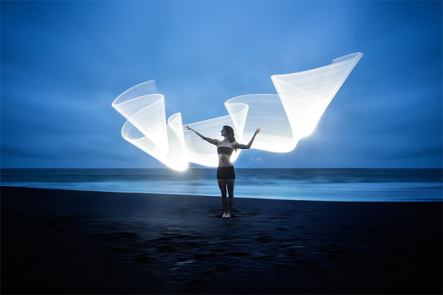 Light-painting-fantasies-5721bf0897fed__880