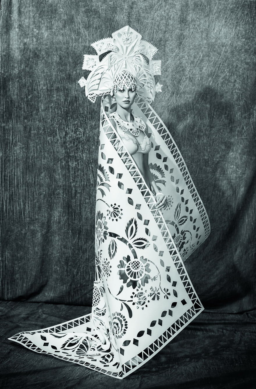 National-Brides-I-Turn-A-Paper-Into-Wedding-Dresses1__880
