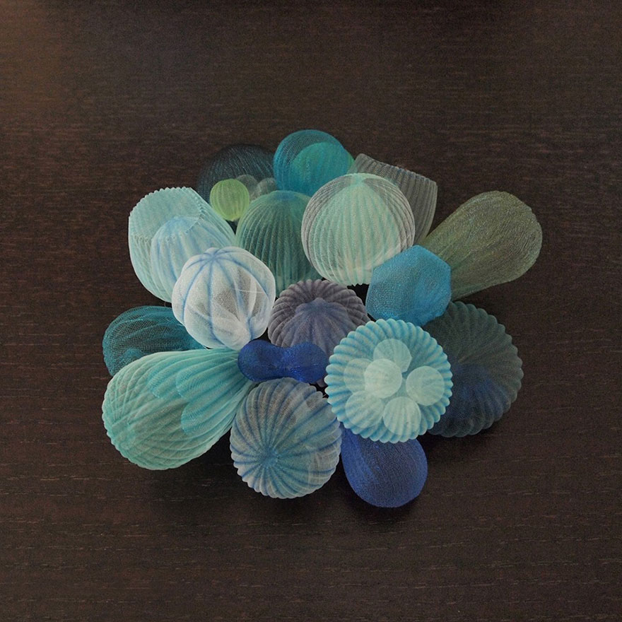 translucent-fabric-jewerly-japan-sculptures-mariko-kusumoto-15