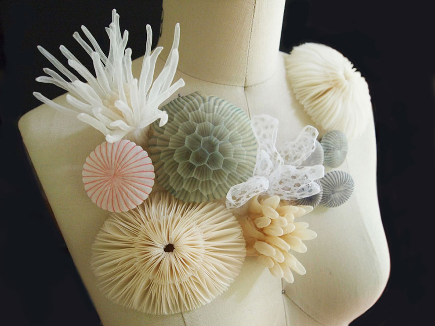translucent-fabric-jewerly-japan-sculptures-mariko-kusumoto-6