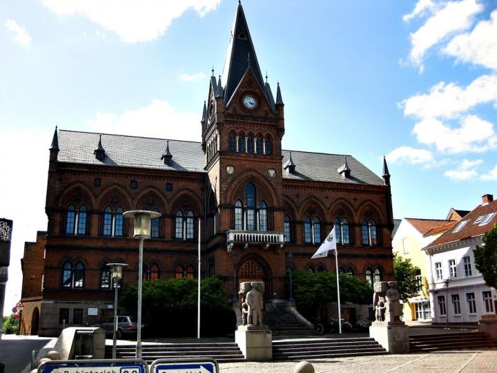 Town-hall-Vejle-Denmark-720x540