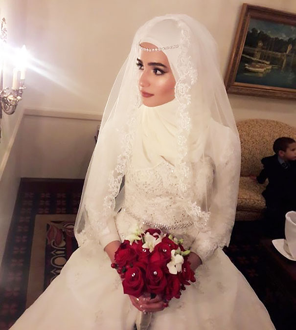hijab-bride-muslim-wedding-32-57d66f4589e61__605
