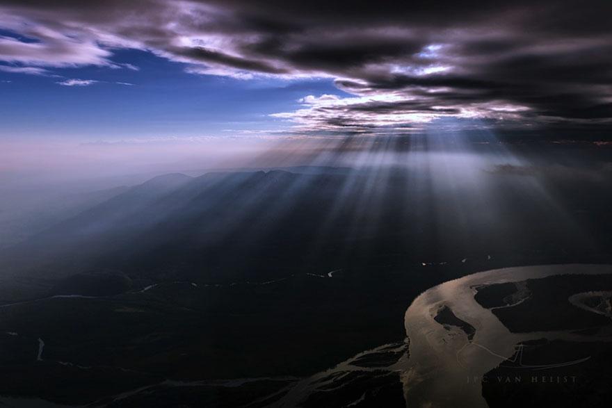 storm-sky-photography-airline-pilot-christiaan-van-heijst-8-57eb67fdd886f__880