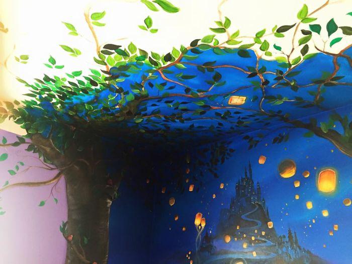 ceiling-5807b72e35f06__700