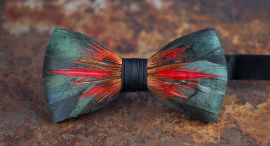 big-spur-feather-bowtie-552x300